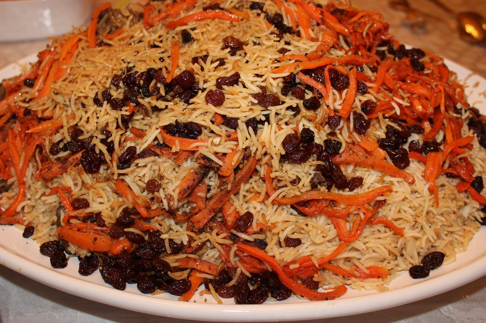 Kabuli Pulao is the national dish of Afghanistan. It is pulao that consists of raisins, carrots, and beef/lamb/mutton.